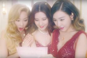 TaeTiSeo in the music video for their Christmas single Dear Santa.