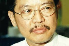 My father had an all-consuming sense of mission and a very strong desire to see justice done. - Ms Jane Lim on her father, former Assistant Superintendent Richard Lim Beng Gee (above) DETAILED: In his 31 years in the police force, former ASP Lim Beng Gee kept over 20 investigation diaries.