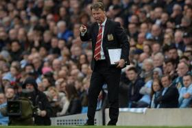 """""""No, I don't think so. I read only about my position in the media but not the position of other managers, so I don't agree with that.""""- Manchester United boss Louis van Gaal's (above) reply when he was told that all managers come under scrutiny"""