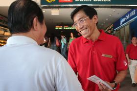 MAKING HIS POINT: SDP's Dr Chee Soon Juan at Bukit Batok MRT station.
