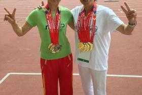 Teng Fu En (right) and Bi Si Ling (left).
