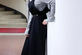 STYLISH: (Above) Local actress Jayley Woo.