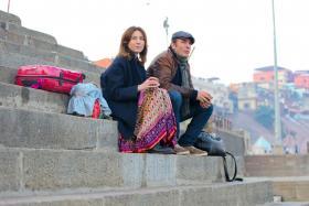 Elsa Zylberstein and Jean Dujardin in Un + Une