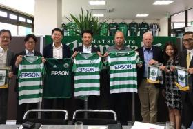 (From far left) GIFC chairman Ben Teng (third from left) and management committee member Bambang Sugeng (first from right) with Matsumoto Yamaga vice-president Tomonari Kamijo (second from right) and staff members of Seiko Epson Corporation and Epson Singapore.