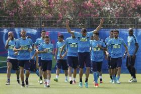 SPECIAL STYLE: Italy's (above) 3-5-2 formation has caused problems for their opponents.