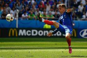"""""""I would say the best French player in this tournament is Griezmann. His movement is excellent, and he has the ability to score important goals."""" - Marcel Desailly on Antoine Griezmann (above)"""