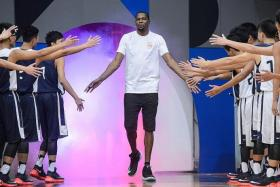 STAR MAN: Durant (centre) at a promotional event in Hongkong on Tuesday.