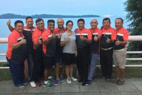 Edge Golf's team members and team captain Rick Chan (2nd from left) for the BT Corporate Golf League 2016.