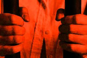 Jail, cane for man who used nude photos to extort from girlfriend