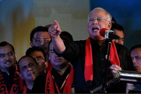 Najib supports Myanmar's Rohingya Muslims at rally