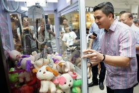 Charity uses claw machines to raise funds