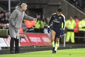 Wenger's cool with angry Alexis