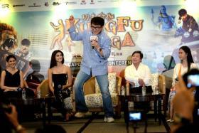 Actress Amyra Dastur, Disha Patani, Jackie Chan, Stanley Tong and Mu Qimiya at the Kung Fu Yoga press conference