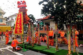 Uncertain economy hits lion dancers