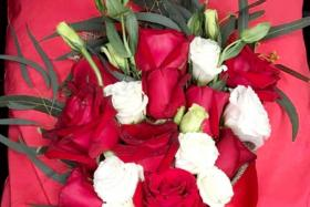 Valentine's fail: Two florists unable to fulfil over 350 orders