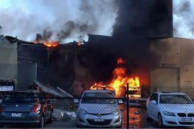 Plane crashes into shopping centre