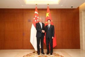 DPM Teo Chee Hean meets China's Vice Premier Zhang Gaoli.