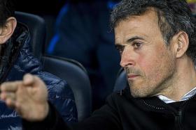 Wenger not keen on Barca job