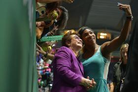 King made tennis queens