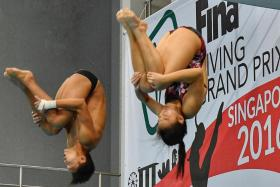Singapore's Joshua Chong and Ashlee Tan in action for the Mixed Synchronised 3 m final , FINA Diving Grand Prix on 5 November 2016.