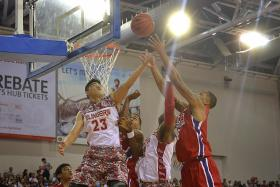 Slingers off to a flying start