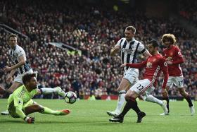 Mourinho slams misfiring United stars