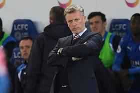 Moyes will not resign over 'slap' remark