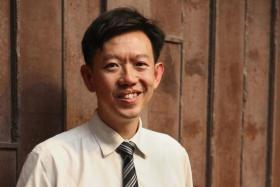 Doctor turns bone marrow donor