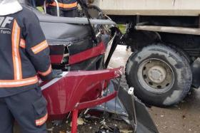 One dead, nine hurt in Jurong accident