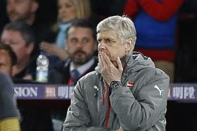 Wenger remains tight-lipped over future