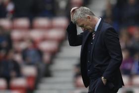 Sunderland manager David Moyes looks dejected