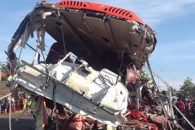 Head-on collision kills 11 in Vietnam