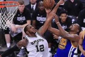 Durant delivers for Warriors