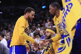 Durant: Chemistry with Curry getting better