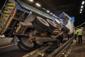 KPE exit closed after tipper truck crash