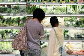 Veggie prices up but fish prices stable