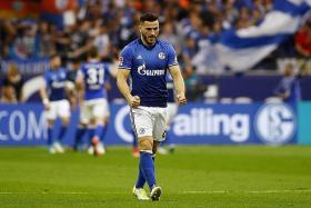 Arsenal sign left back Kolasinac from Schalke