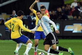 Di Maria solves a Messi problem
