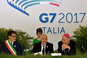 G7 talks dominated by US quitting accord