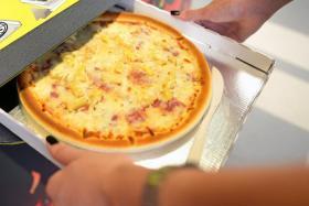 Greek-Canadian who created Hawaiian pizza dies at 83
