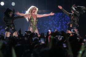 Spears silences critics with live birthday song