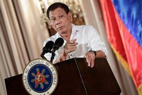 Duterte offers Muslim self-rule to resist ISIS