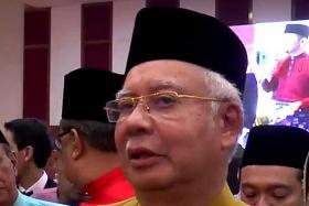 Najib demands Mahathir address past Anwar remarks