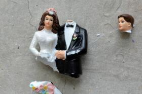 Divorce rate at a 10-year high, fewer getting married