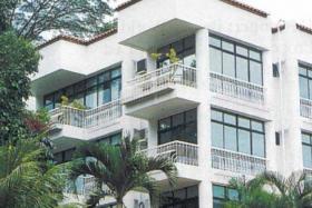 Villa D'Este condo up for en bloc sale