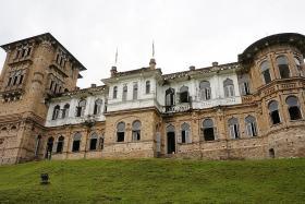 A book, a castle and a driving trip through Perak