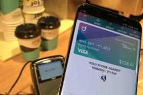 Singtel partners Visa for its Dash mobile wallet app