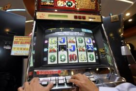 Clubs must do more to curb problem gambling: Experts