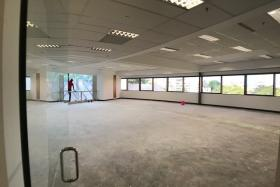 Macro Realty's only overseas office in Singapore was vacated when a Lianhe Wanbao reporter visited the premises on July 24.