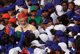Modi: India strong enough to fight foreign threats